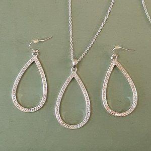 Vintage Avon Silver Tone Rhinestone Necklace Set